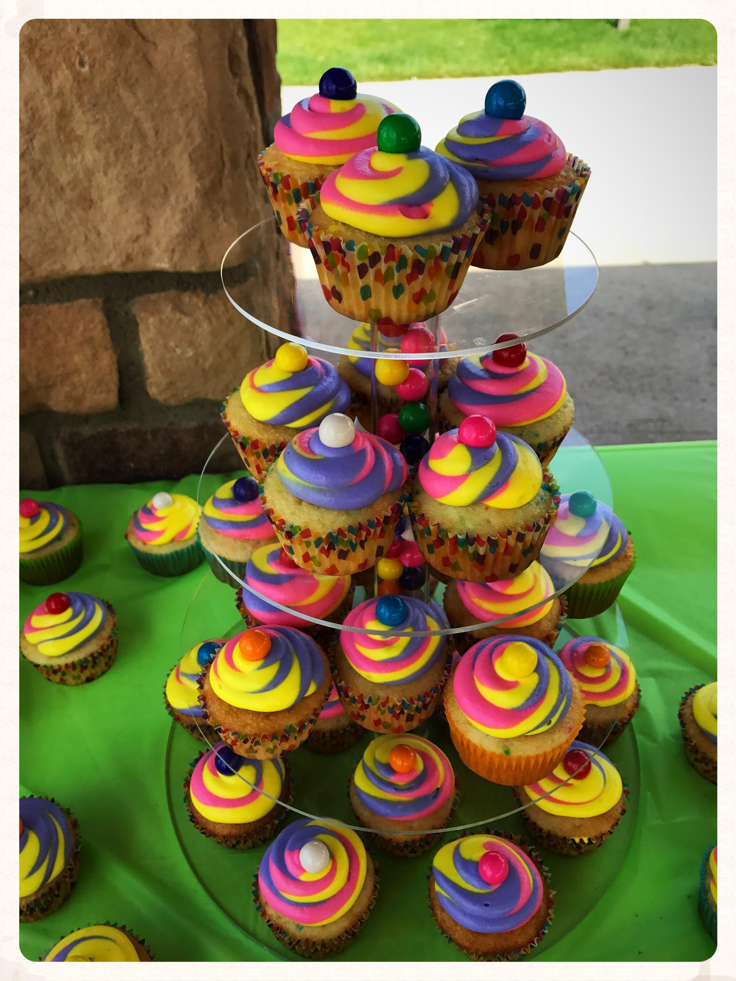 Triple color cupcakes